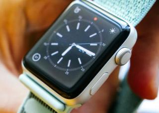 Report: Smartwatches will account for 44 percent of wearables shipments by 2022