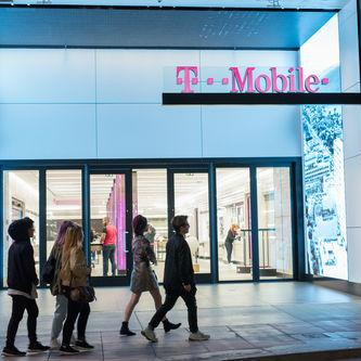 T-Mobile Targets Verizon Customers With New Campaign