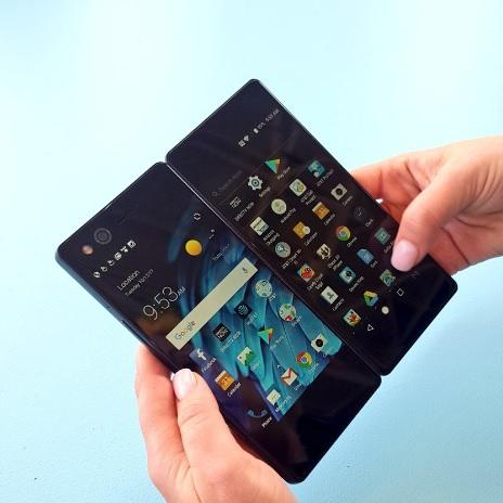 Here Comes the Axon M: The New Foldable Phone from ZTE